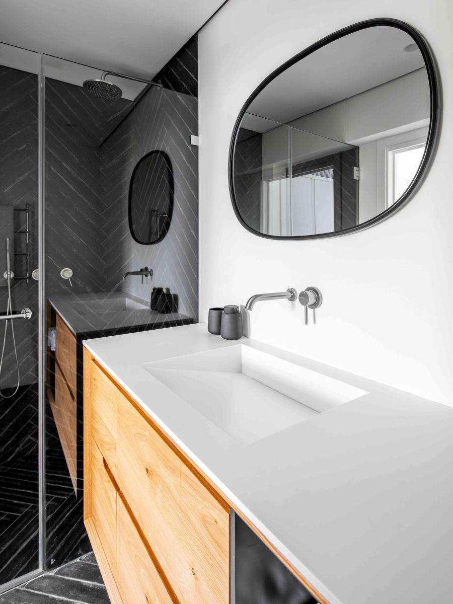 משטח קוריאן עם כיור לחדר אמבטיה