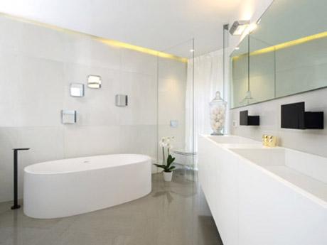 חדר אמבטיה קוריאן יוקרתי. צלם: איל תגר, אדריכל: טל פיאסט.